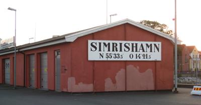 Skylt med Simrishamn