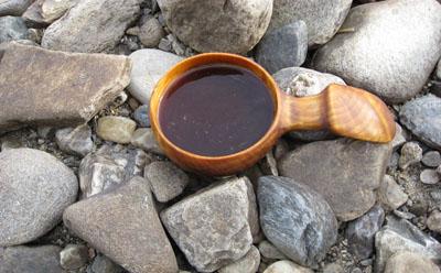 Kokkaffe i träkåsa