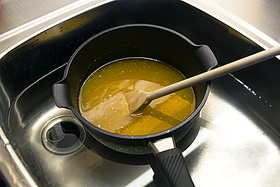 Smör och sirpasblandning på avsvalning