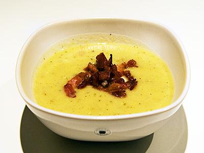 Potatis- och purjolökssoppa med bacon