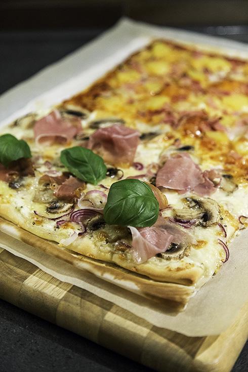 vit sås till pizza