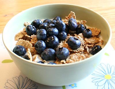 Filmjölk och blåbär