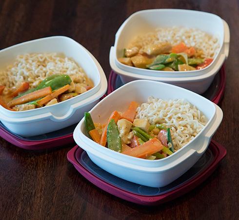 kelda thai paneng och 3 lunchlådor