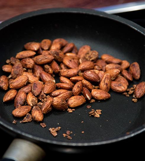 lakridsochsaltrostade nötter