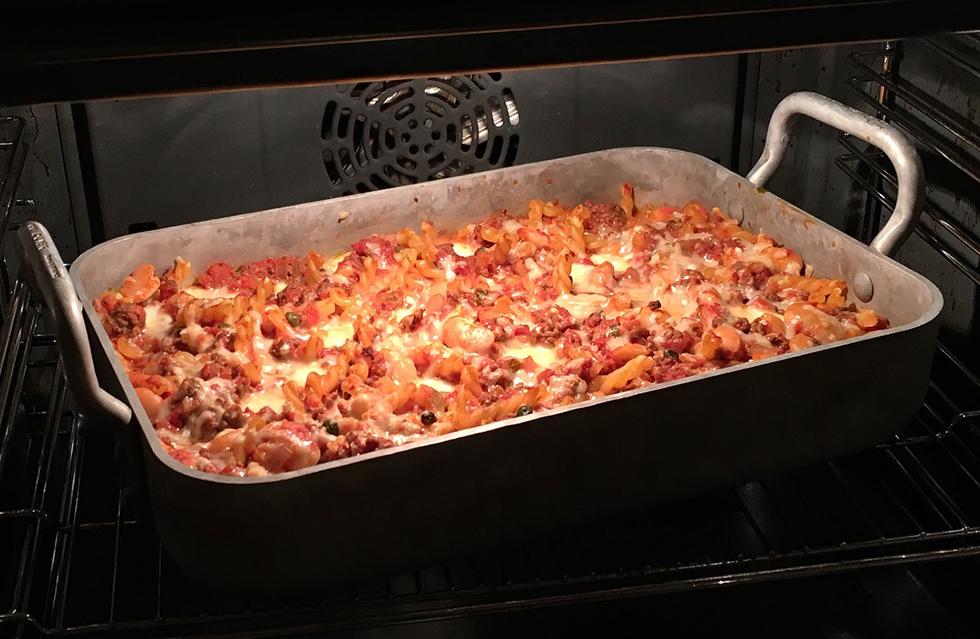 Pastagratäng med bönor och mozzarella