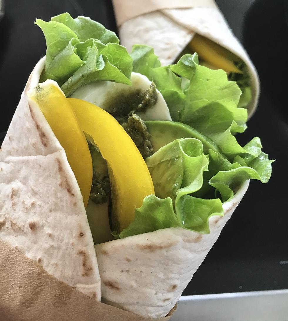 Picknick wraps med mozzarella och pesto