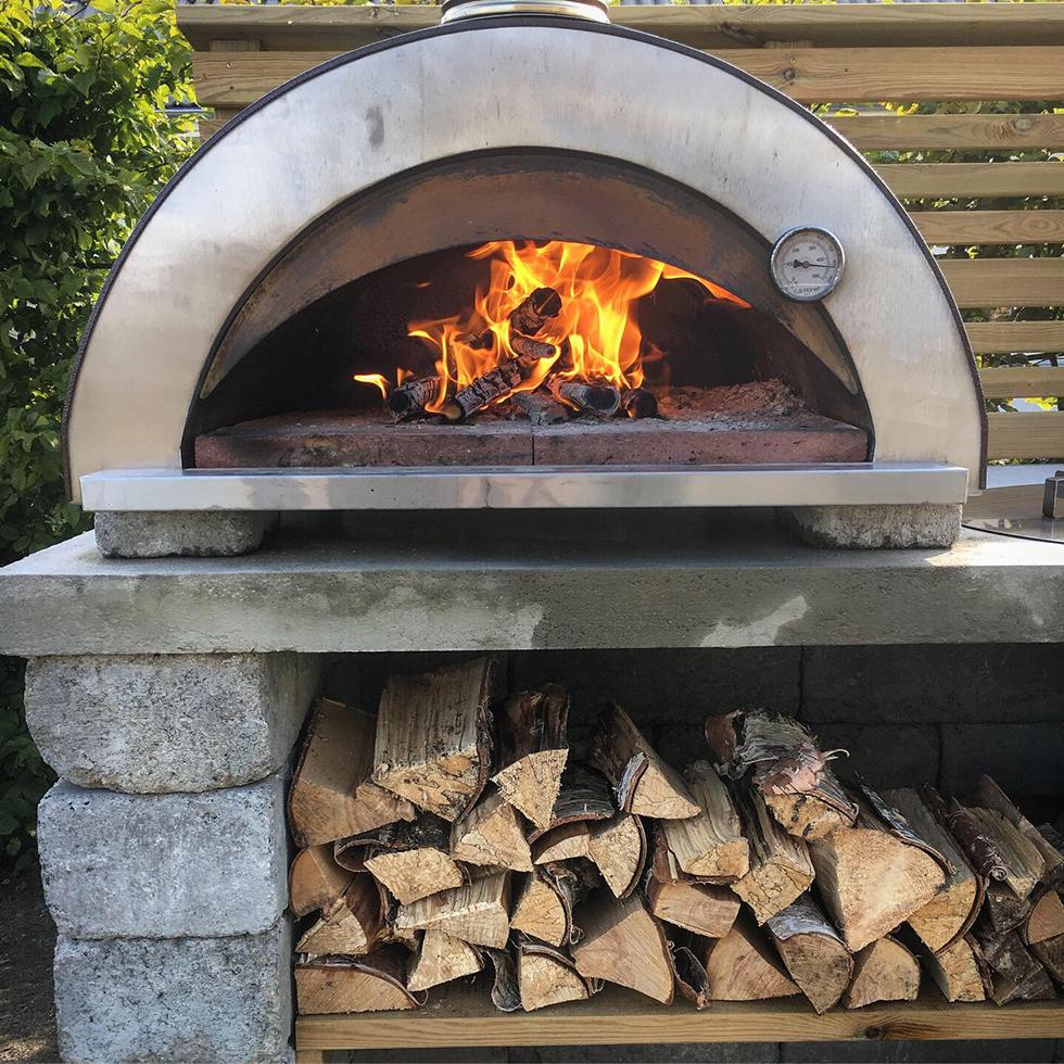 Receptsamling för pizzaugn vedeldad ugn ute