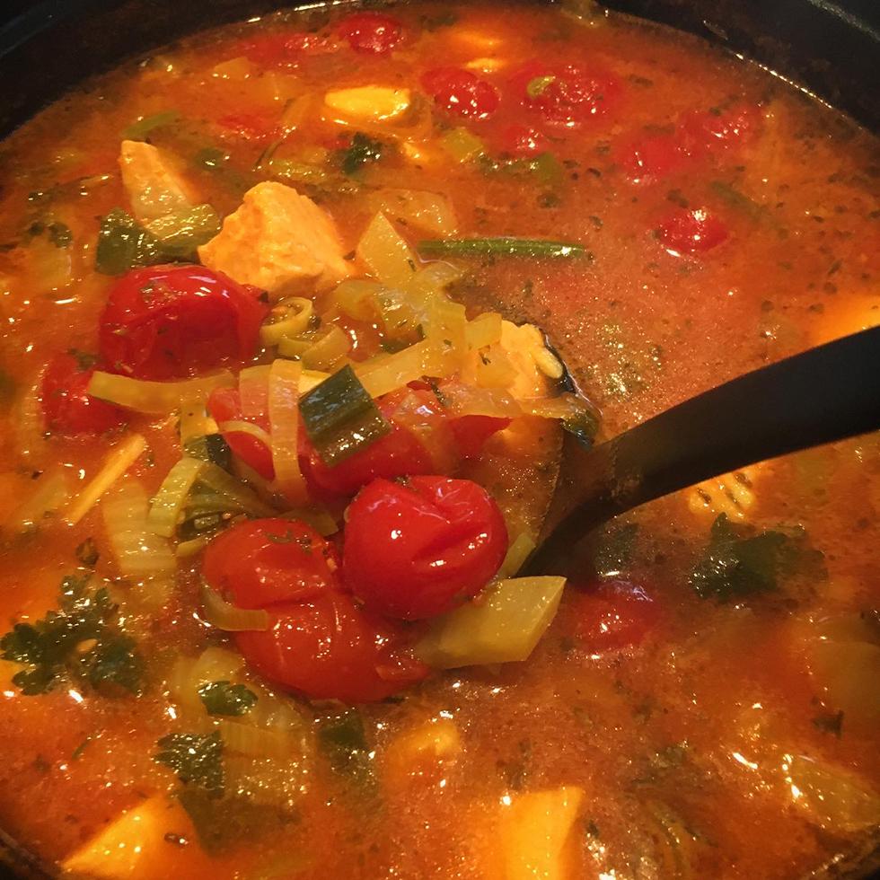 Italiensk fisksoppa med tomat och saffran