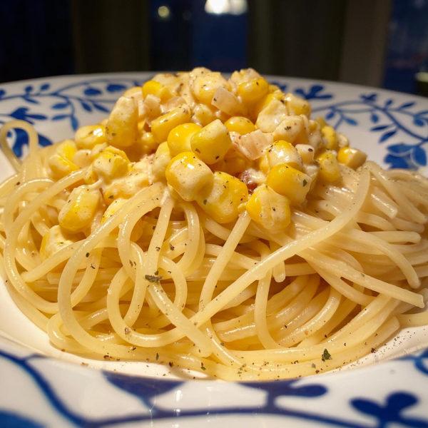God pasta med majs och lök